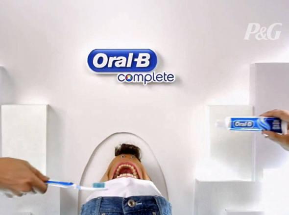 size_590_Comercial_da_Oral_B_com_o_Rodrigo_Faro