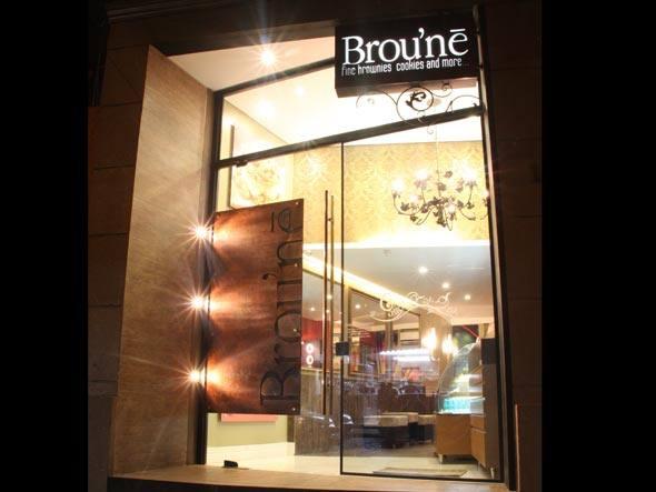 size_590_fachada-broune